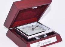 наручные часы: шильда с лазерной гравировкой