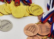 медали универсальные, вид нанесения: прозрачная шильда с текстом