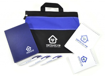 Подарочный набор с логотипом компании: конференц-сумка, ежедневник, блокноты, ручки