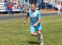 футболист в форме от Спорт-Проекта на соревнованиях
